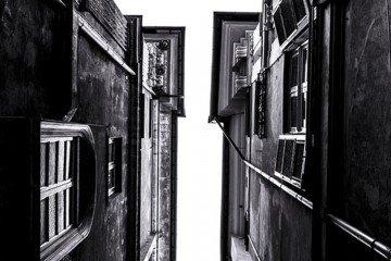 genova-ruvida-poesia-mostra-foto-vicoli